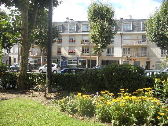 Best Western Plus Hôtel du Parc : View from across street