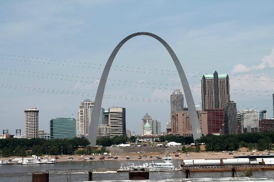 Malcolm W Martin Memorial Park: Great view of the Arch