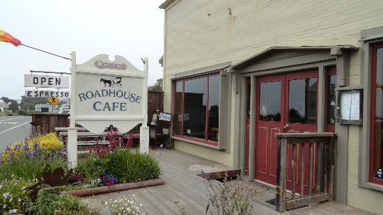 Queenie's Roadhouse Cafe : Outside