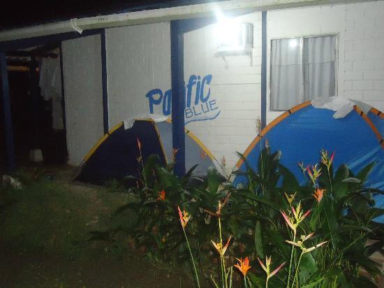 Hotel Pacific Blue Ladrilleros: me acomodaron en estas carpas por dos noches, despues de haber reservado una habitacion, no voy