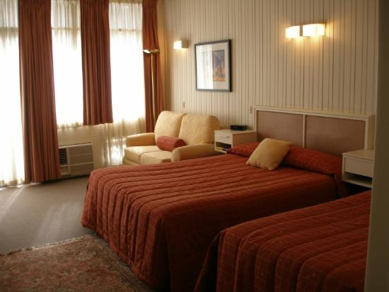 Apollon Motor Inn: Queen Room