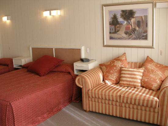Apollon Motor Inn: Queen Room