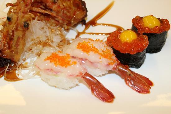 Sakura Japanese Steak House & Sushi: Salmon Roe Sushi