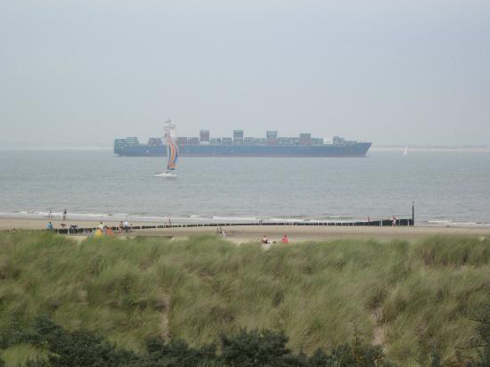 Breskens, Niederlande: Zicht op het strand vanuit de duinen