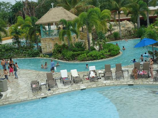 Mayaguez Resort & Casino: El River pool