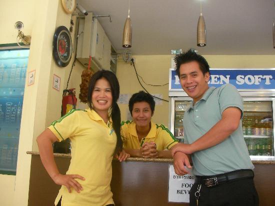 Lunar Hut Resort: Staff