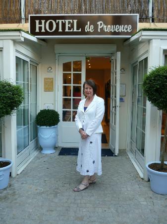 Hotel de Provence: ENTREE