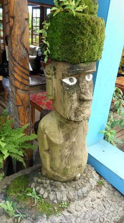 Kaimana Inn Hotel & Restaurant: La decoración exterior me gustó mucho