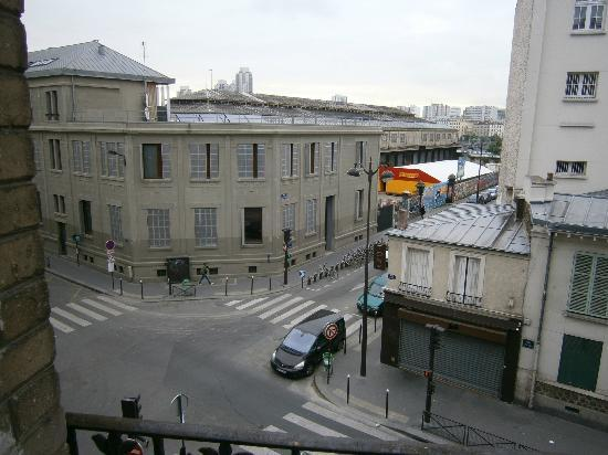 Hotel de Bellevue Paris Gare du Nord: View from our window