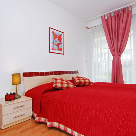 Budapest Apartment 4 (Locust Tree Apartments)