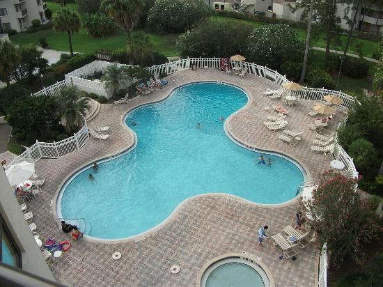 The Enclave Hotel & Suites: Outdoor Pool