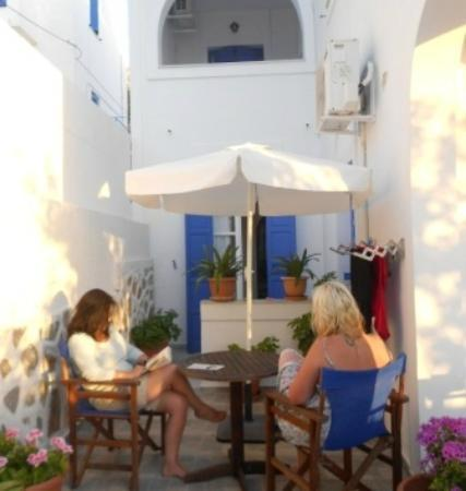 Pelagos Hotel : breakfast outside our apartment