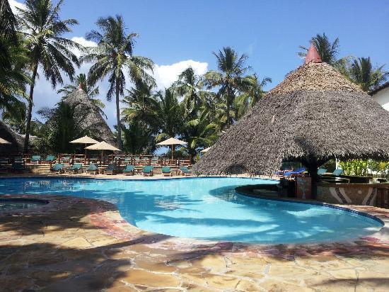 Pinewood Beach Resort & Spa 사진