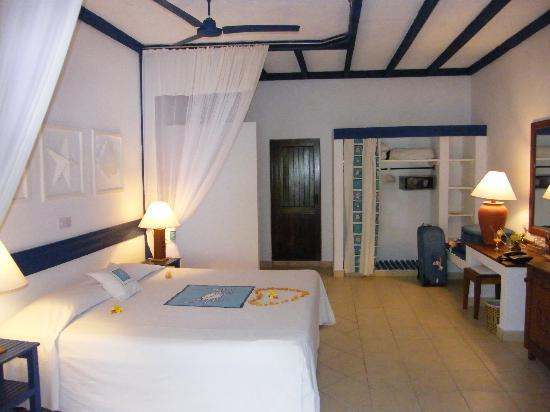 Pinewood Beach Resort & Spa: Deluxe Room