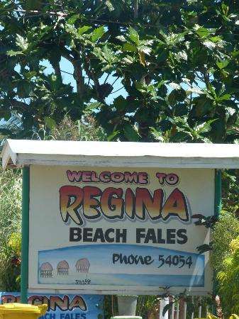 Regina's Beach Fales: Regina's 