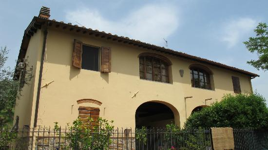 ‪‪A Casa di Olivo‬: The front view of the house‬
