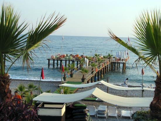 Botanik Hotel & Resort: Beach dock