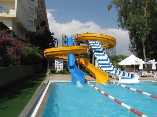 Botanik Hotel & Resort: One of two small Aqua parks