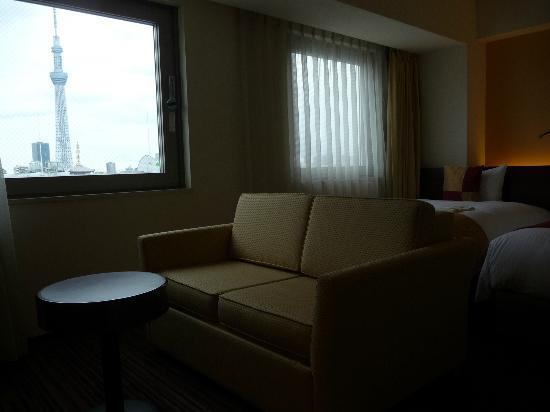 Hotel Keihan Asakusa: 窓の外の東京スカイツリーです(合成ではありません)
