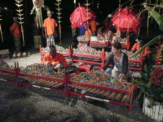 بوري دايوما كوتيجيز بيتش إيكو ريزورت: Friday night / Balinese Music 