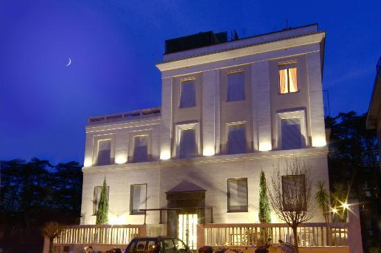瑞雷斯 6 瓦爾托爾米諾飯店