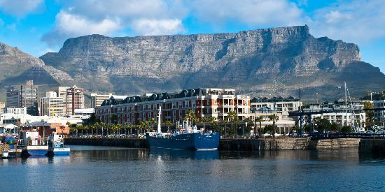 เคปเกรส: View of Cape Grace with Table Mountain beyond