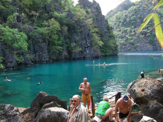 Two Seasons Coron Island Resort & Spa: Kayangan Lake, cleanest lake in the Philippines