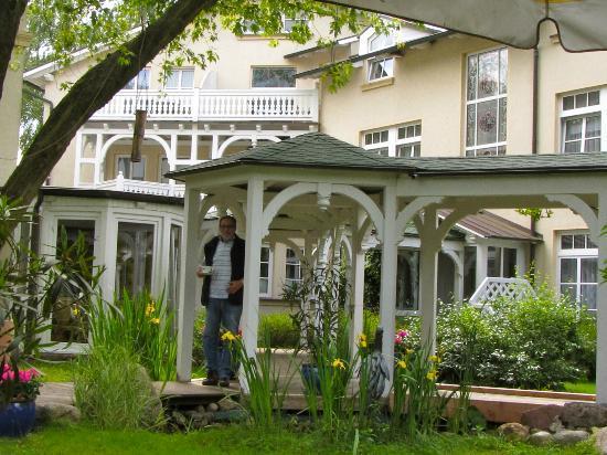 Villa Granitz: im Garten
