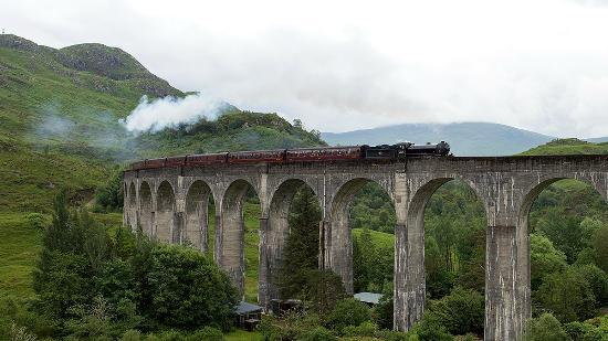 Rustic View Bed & Breakfast: Hogwarts Express & Glen Finnan Viaduct