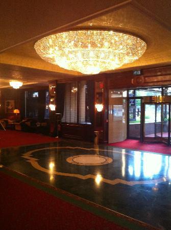 Royal Hotel Carlton: hall