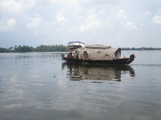 Ashtamudi Homestay: LAKE VIEW