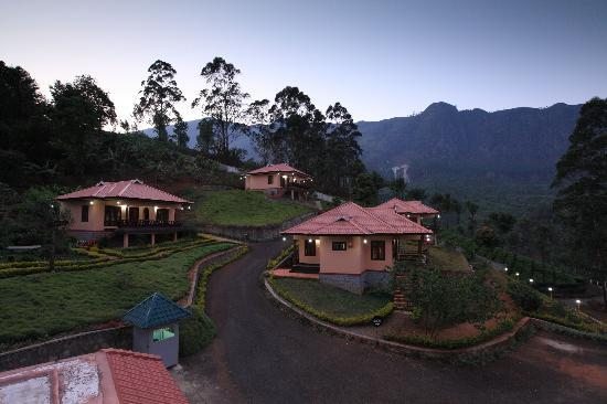Pallivasal, Indien: Evening Glory at Aranyaka Resorts