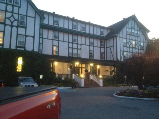 Glynmill Inn: outside