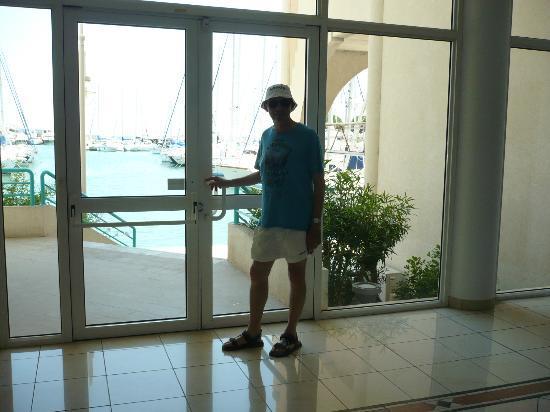 Residence du Port: open international Fréjus
