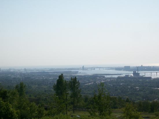 Duluth Spirit Mountain Inn - Americas Best Value: View of Duluth from the deck.