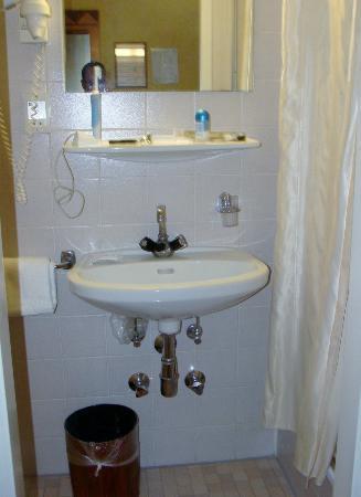 Hotel Post: baño