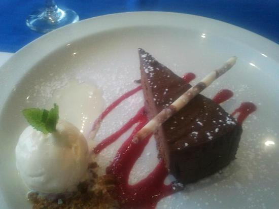 Tors Hotel: on eof the amazing desserts