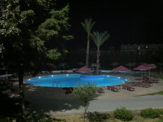Sunland Hotel: night view from my balcony