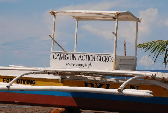 Camiguin Action Geckos Dive & Adventure Resort: boat