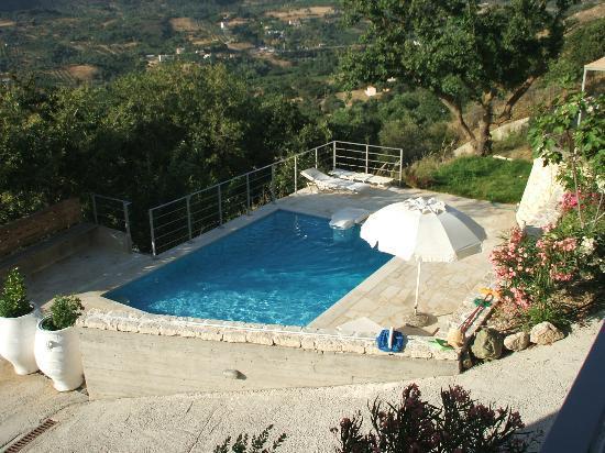 Anna Boutique Villas: Pool of villa 2