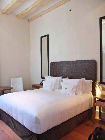Hotel DO: Room