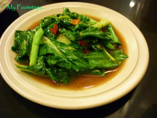 Sara Thai Kitchen : Kailan Ikan Masin (Kailan Fried with Salted Fish)