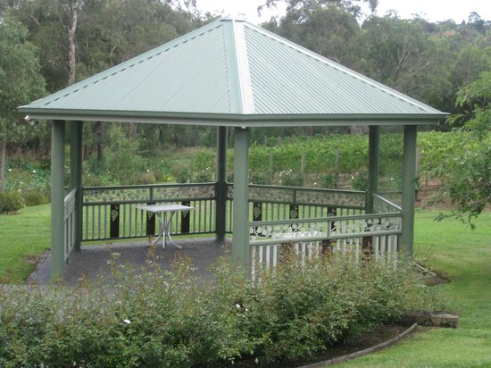 Wild Cattle Creek Estate: Gazebo