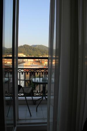 Timoleon Hotel: The balcony