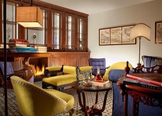 Monastero Santa Rosa Hotel & Spa: Library
