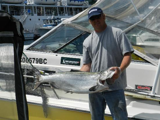 High Roller Charters: Captain Todd