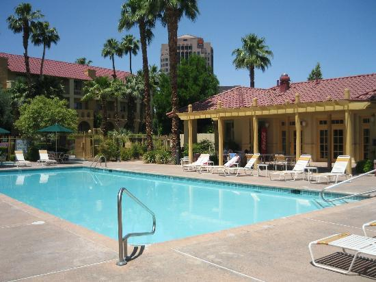 La Quinta Inn & Suites Las Vegas Airport N Conv.: cool pool