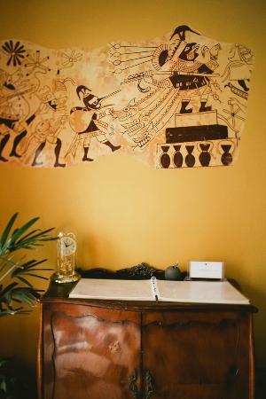 Casa Inca, Boutique Hotel: mural de la cultura Moche en el Hall de ingreso