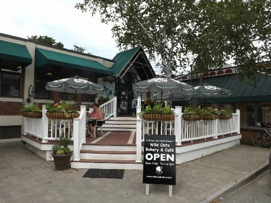 Wild Oats Bakery & Cafe: Wild Oats Cafe, entrance and outdoor seating