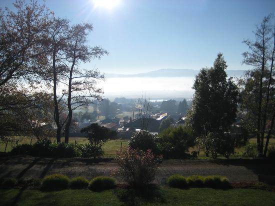 بريفالين هاوس: View from house - morning